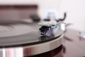 vinyl-3663695_1280-300x200